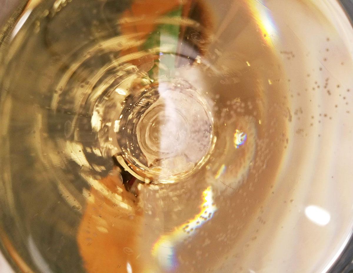 """冷えていない""""シャンパン""""や""""スパークリングワイン""""、冷蔵庫に""""3時間""""入れたら本当に冷えるの!?"""