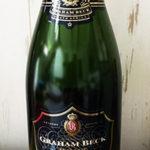 """【ボトルの謎】なぜ、""""シャンパン""""や""""スパークリングワイン""""のボトルは、『緑色』なの!?『緑色』が大事なワケとは!?"""