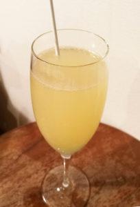 """簡単!『ホワイトミモザ』の作り方!""""シャンパン""""、""""スパークリングワイン""""のカクテル(食前酒)レシピ!"""
